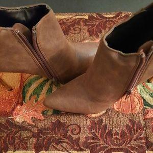 Xoxo Shoes 7.5 size